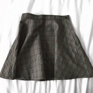 SALE 2/$20 ⛸ grey plaid skirt